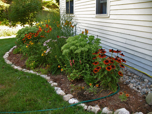 Planter Boxes And Raised Beds On Pinterest Garden Edging